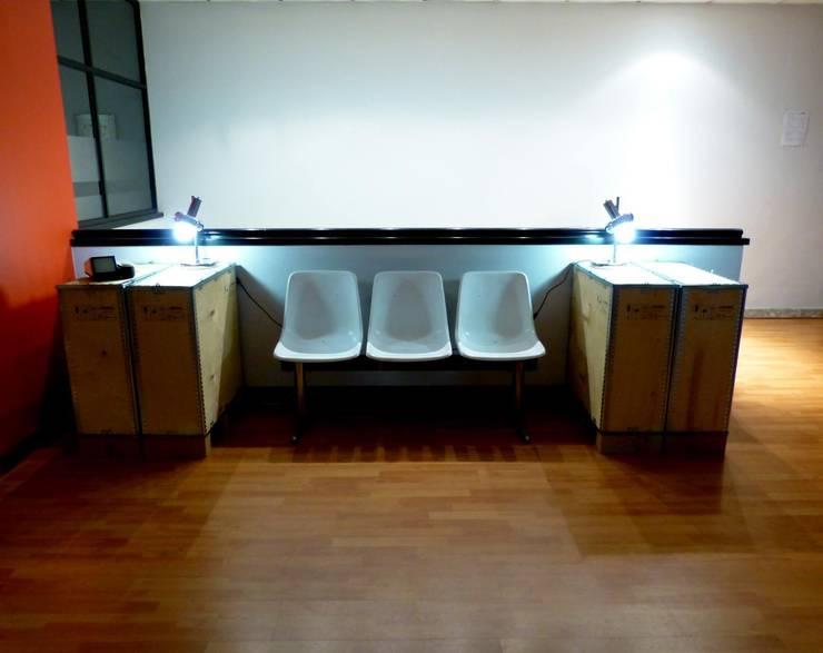 LANDSCAPES: Edificios de oficinas de estilo  de noe vega interiorismo