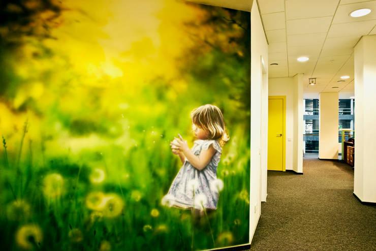 Роспись в холле офиса: Офисные помещения в . Автор – 16dots