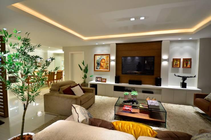 Living: Salas de estar  por LizRibeiro Arquitetura