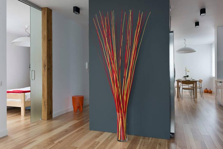 salon: styl , w kategorii Salon zaprojektowany przez Jacek Tryc-wnętrza,Minimalistyczny