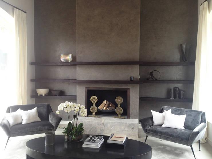 Living room:  Living room by Polidori Barbera Design