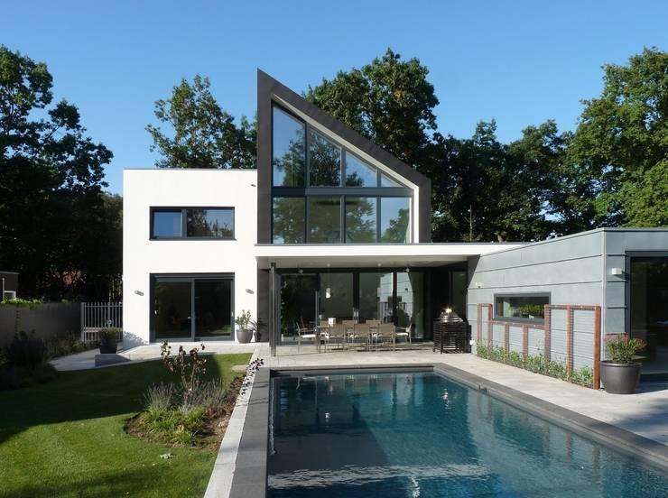 achtergevel:  Huizen door Villa Delphia, Modern