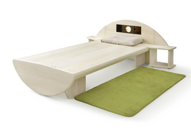桐のベッド「一目惚れ」: 桐里工房が手掛けた寝室です。