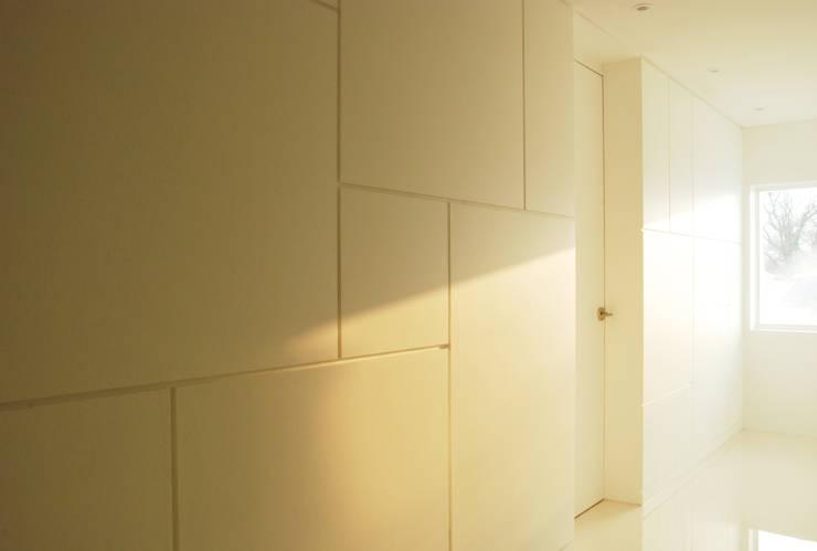 Corridor & hallway by NEN