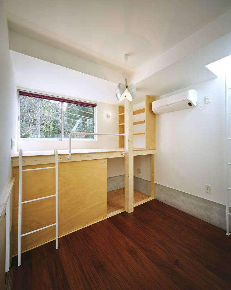 五月丘の家 - House of Satukigaoka: 林泰介建築研究所が手掛けた子供部屋です。,
