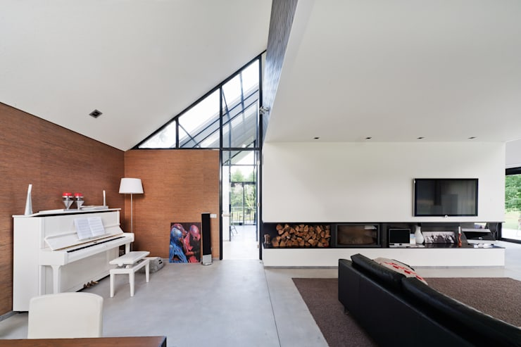 Living room by Beltman Architecten