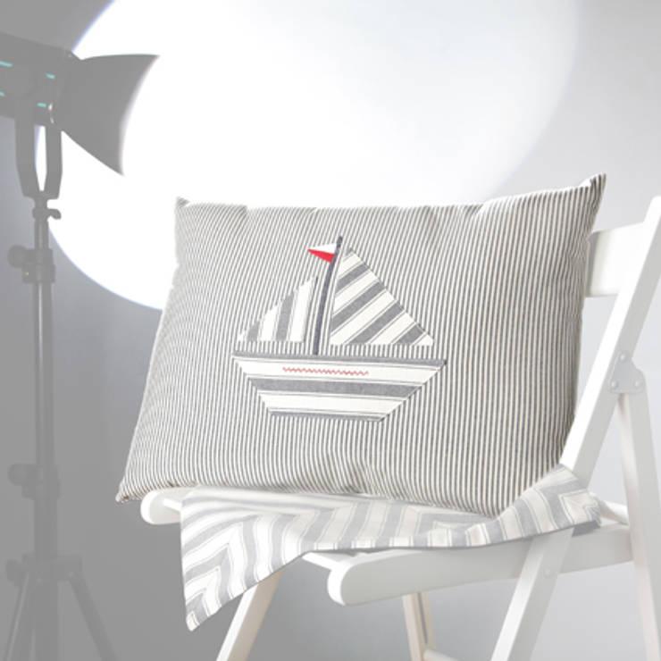 Poduszka Tyyny: styl , w kategorii  zaprojektowany przez Lilla Sky ,Śródziemnomorski