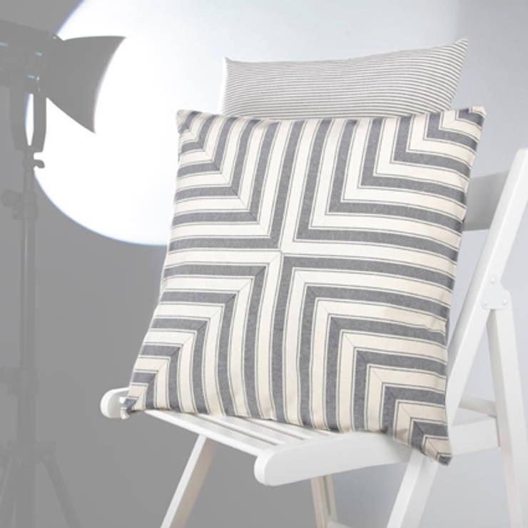 Poduszka Mås: styl , w kategorii  zaprojektowany przez Lilla Sky ,Śródziemnomorski