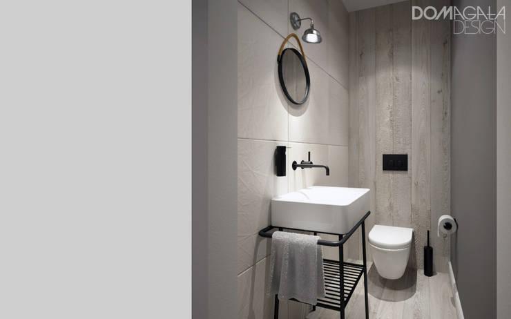 Biało Szary Czarny: styl , w kategorii Łazienka zaprojektowany przez DOMagała Design