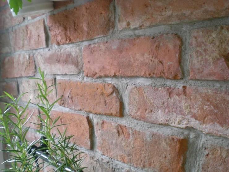 Historic Line 7: styl , w kategorii Ściany zaprojektowany przez ITA Poland s.c.