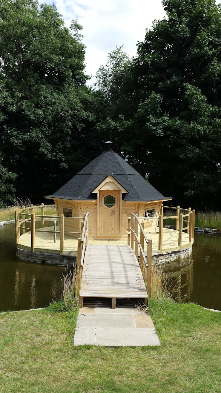 A 17m² cabin made for a customer in South Cornwell. :  Garden by Arctic Cabins