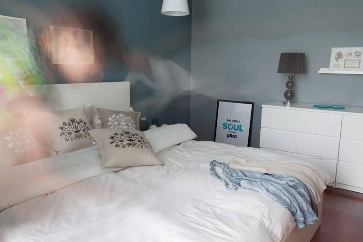 poduszki ze wzorem kaszubskim: styl , w kategorii Sypialnia zaprojektowany przez MAQUDESIGN