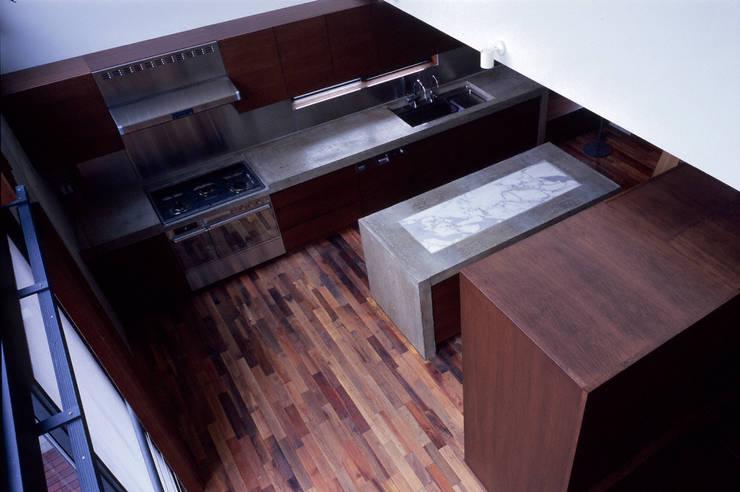 世田谷・桜の住宅: 井上洋介建築研究所が手掛けたキッチンです。