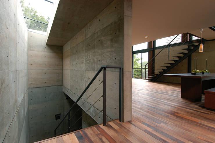 Woonkamer door 井上洋介建築研究所