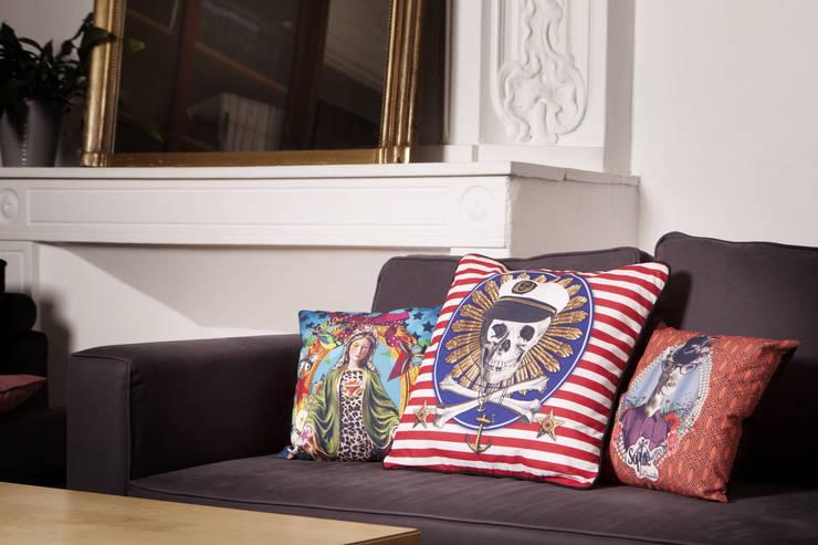 Les coussins Bisni Paris: Maison de style  par Bisni Paris
