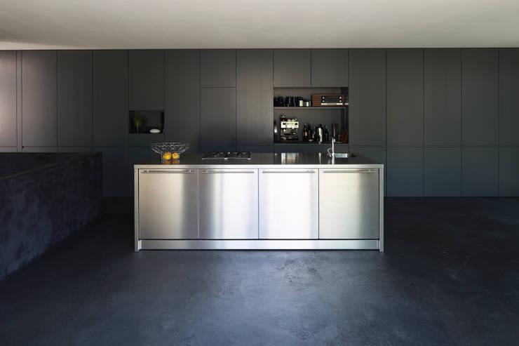 Cozinhas modernas por Architekturbüro Dongus