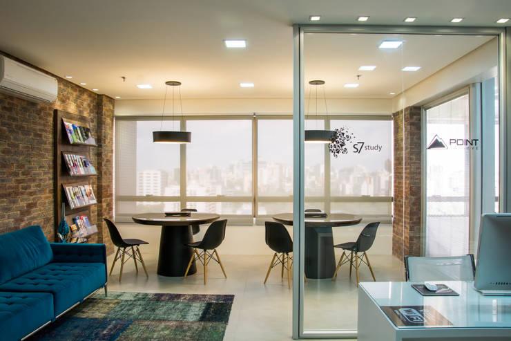 Agencia de Viagens: Cozinhas modernas por Mariana M Simoes arquitetura conceitual