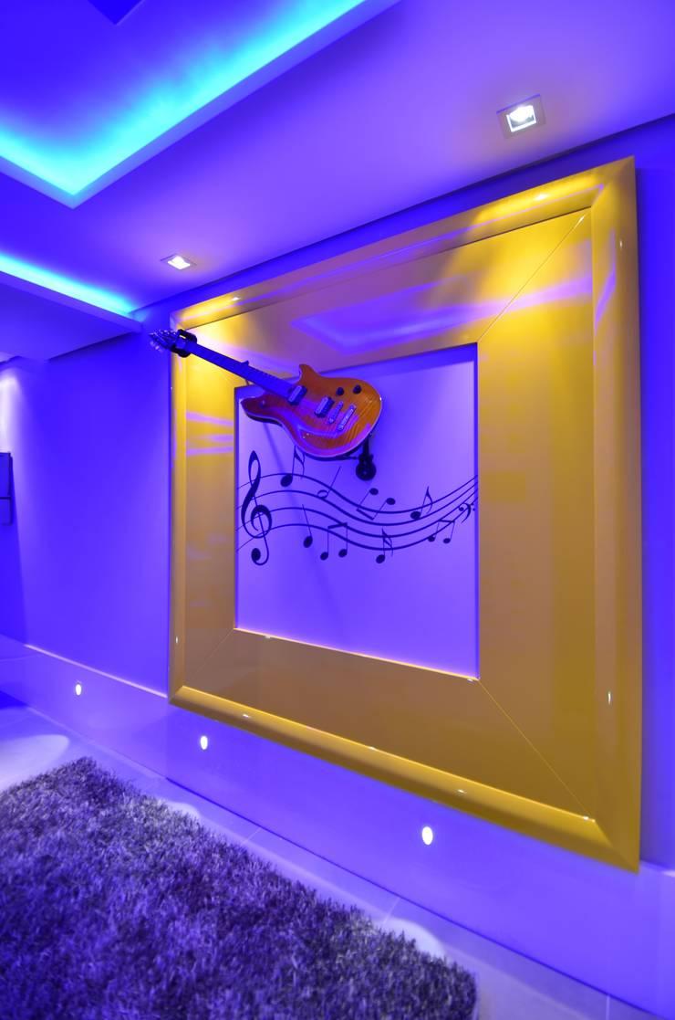 Resort!: Corredores e halls de entrada  por Paulinho Peres Group