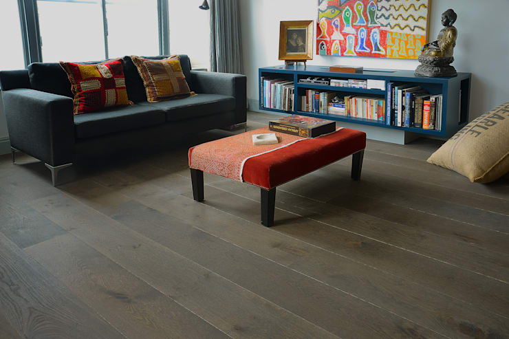 Smoky Mountain:  Living room by The Natural Wood Floor Company