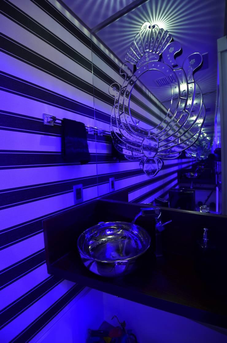 Resort!: Banheiros modernos por Paulinho Peres Group