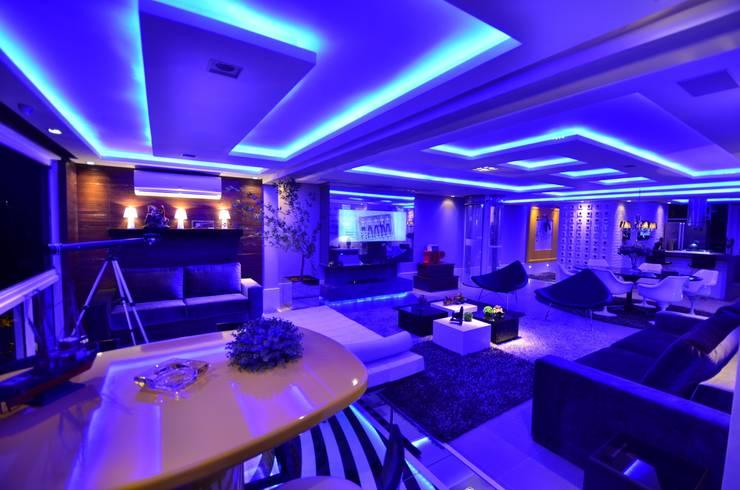 Resort!: Salas de estar modernas por Paulinho Peres Group