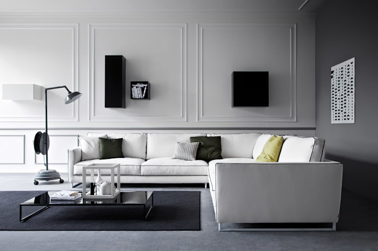 Charme Sofa:  Living room by Campbell Watson