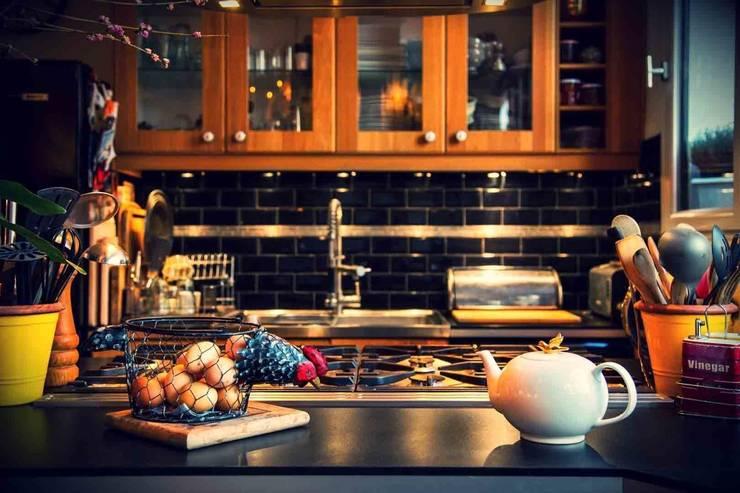Maison d'hôte: Cuisine de style  par Maurine Tric
