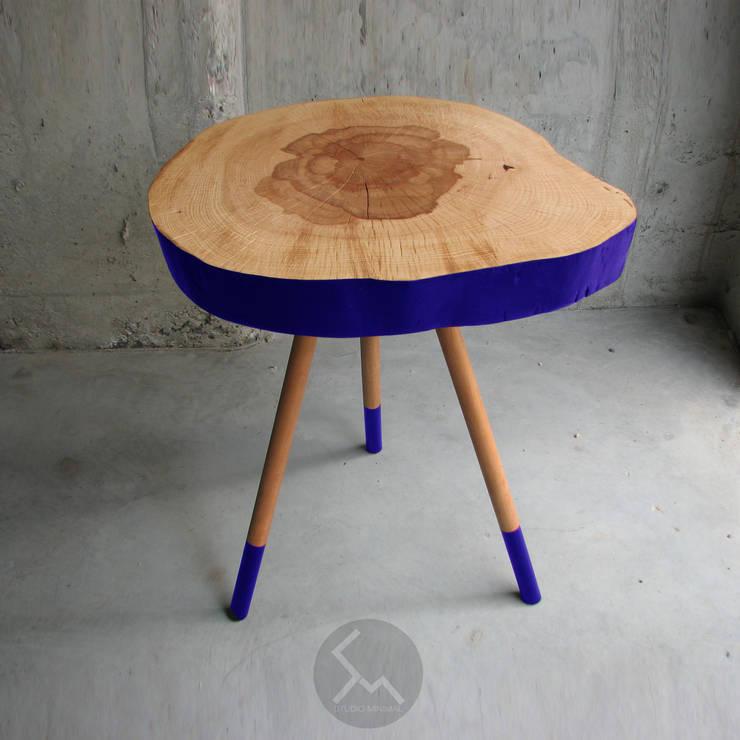 STOLIK NO.4 INDIGO: styl , w kategorii Salon zaprojektowany przez Studio Minimal Meble
