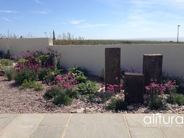 In the Detail:  Garden by Alitura Landscape and Garden Design