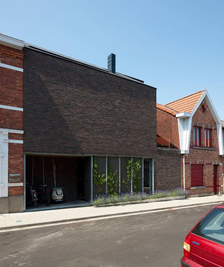 N8082:  Huizen door das - design en architectuur studio bvba, Modern