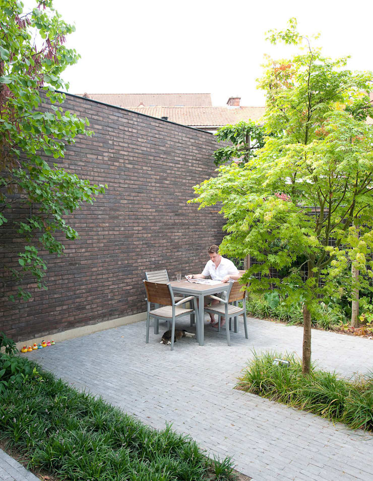 N8082:  Tuin door das - design en architectuur studio bvba, Modern