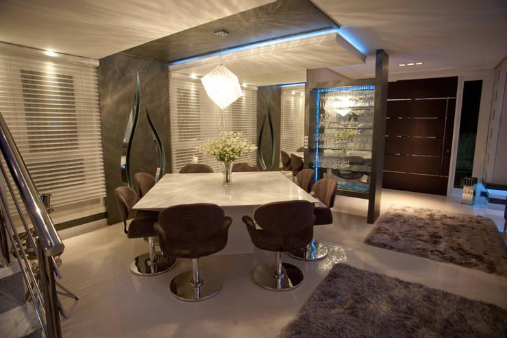 La Mansión: Salas de jantar  por Paulinho Peres Group