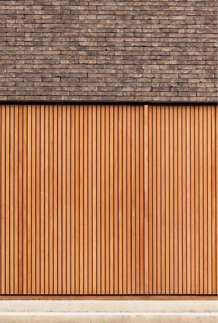 H118:  Ramen door das - design en architectuur studio bvba
