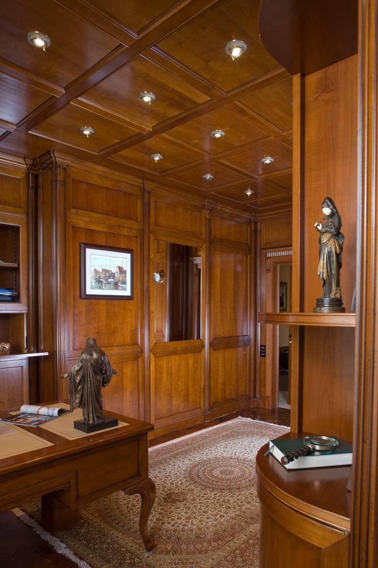 Домашний кабинет.: Рабочие кабинеты в . Автор – KRAUKLIT VALERII