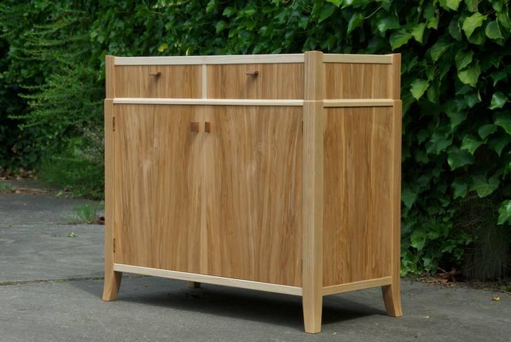 tv&media kast:  Woonkamer door fingerprint furniture