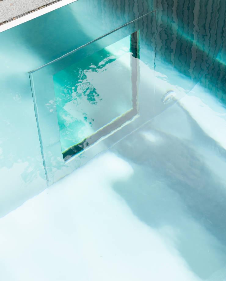 N74:  Zwembad door das - design en architectuur studio bvba, Modern