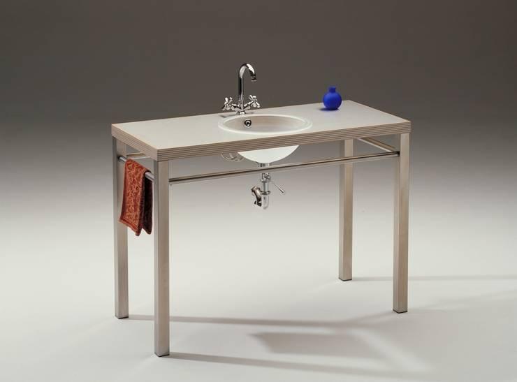 SplashTwo: modern  door George van Engelen Design, Modern