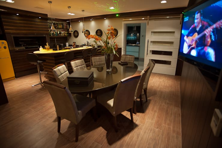 Dining room by Paulinho Peres Group