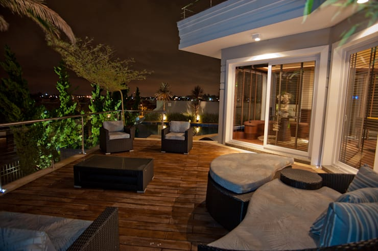 Terrace by Paulinho Peres Group