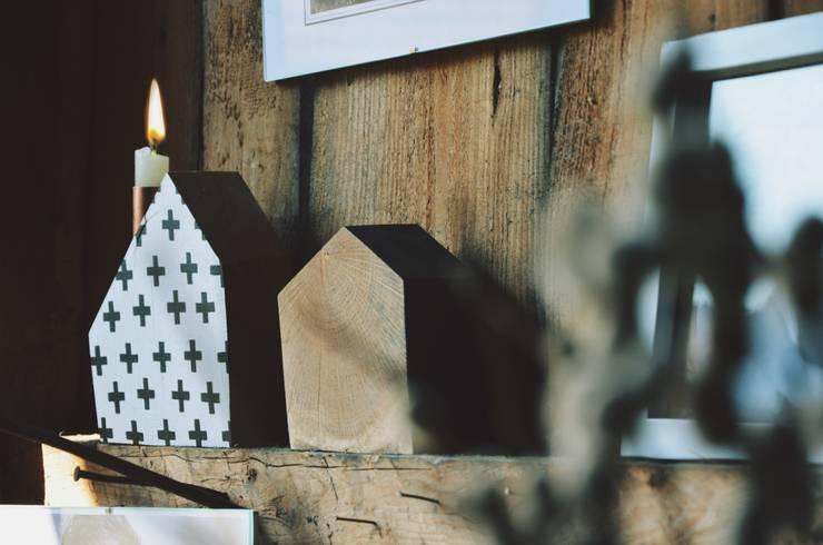Świeczniki dębowe TAKE ME HOME : styl , w kategorii Salon zaprojektowany przez D2 Studio