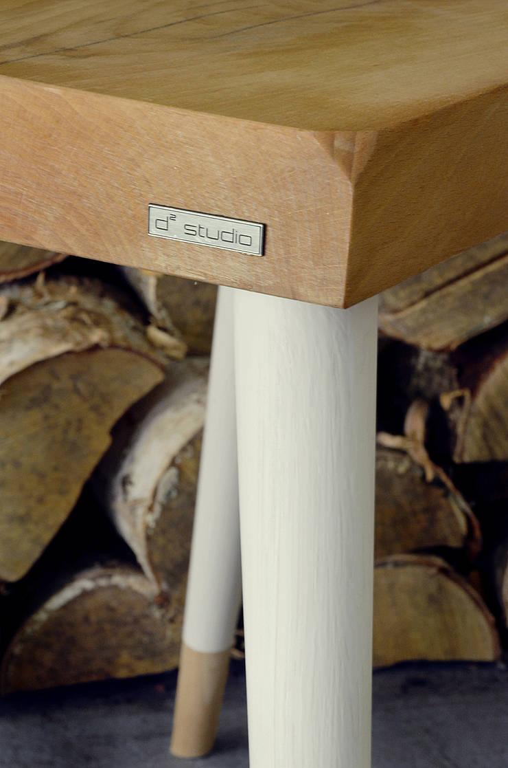 Stołki GOAT STOOL -  WHITE: styl , w kategorii  zaprojektowany przez D2 Studio,Skandynawski