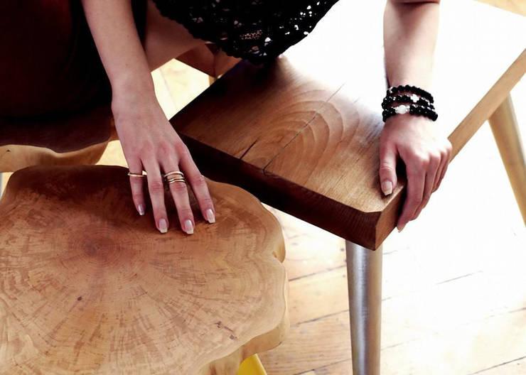 Stołki GOAT STOOL -  SILVER: styl , w kategorii  zaprojektowany przez D2 Studio,Skandynawski