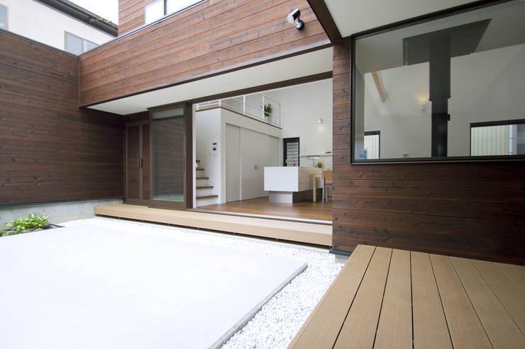 House in Fukuchiyama: arakawa Architects & Associatesが手掛けた庭です。