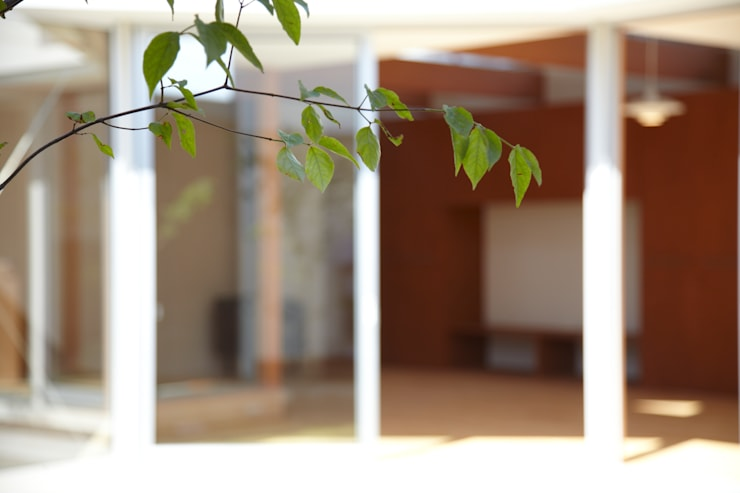 一宮の家: 一級建築士事務所 渡辺泰敏建築設計事務所が手掛けた庭です。