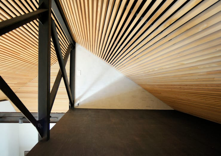 上野毛の住宅 renovation: 井上洋介建築研究所が手掛けた和室です。