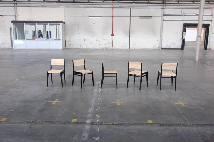 eetkamerstoel:  Eetkamer door Atelier 4d
