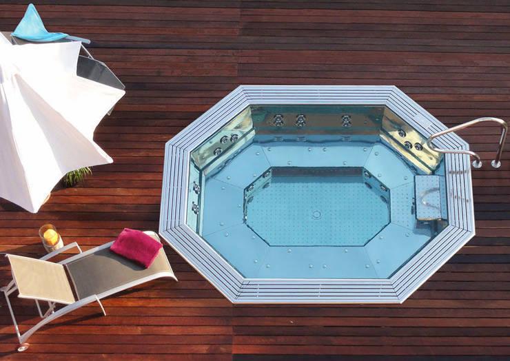 Spa y Jacuzzi: Spa de estilo  de Ceramistas s.a.u.