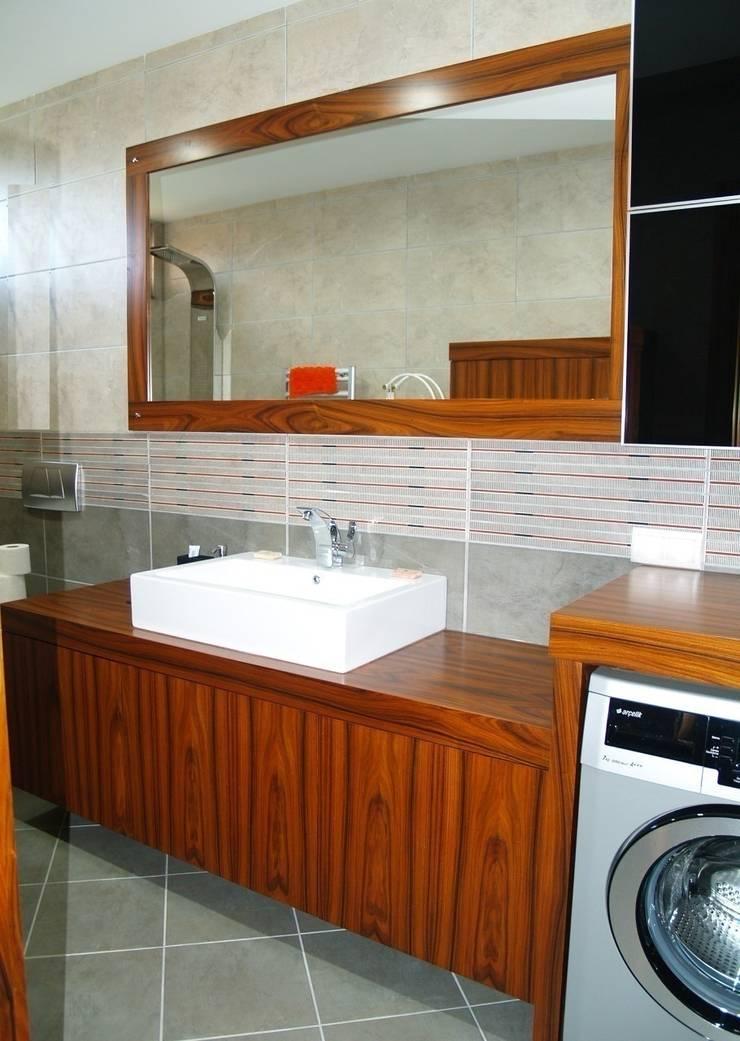 ZAFER MİMARLIK ve MOBİLYA SAN. – PELESENG BANYO DOLABI: minimal tarz tarz Banyo
