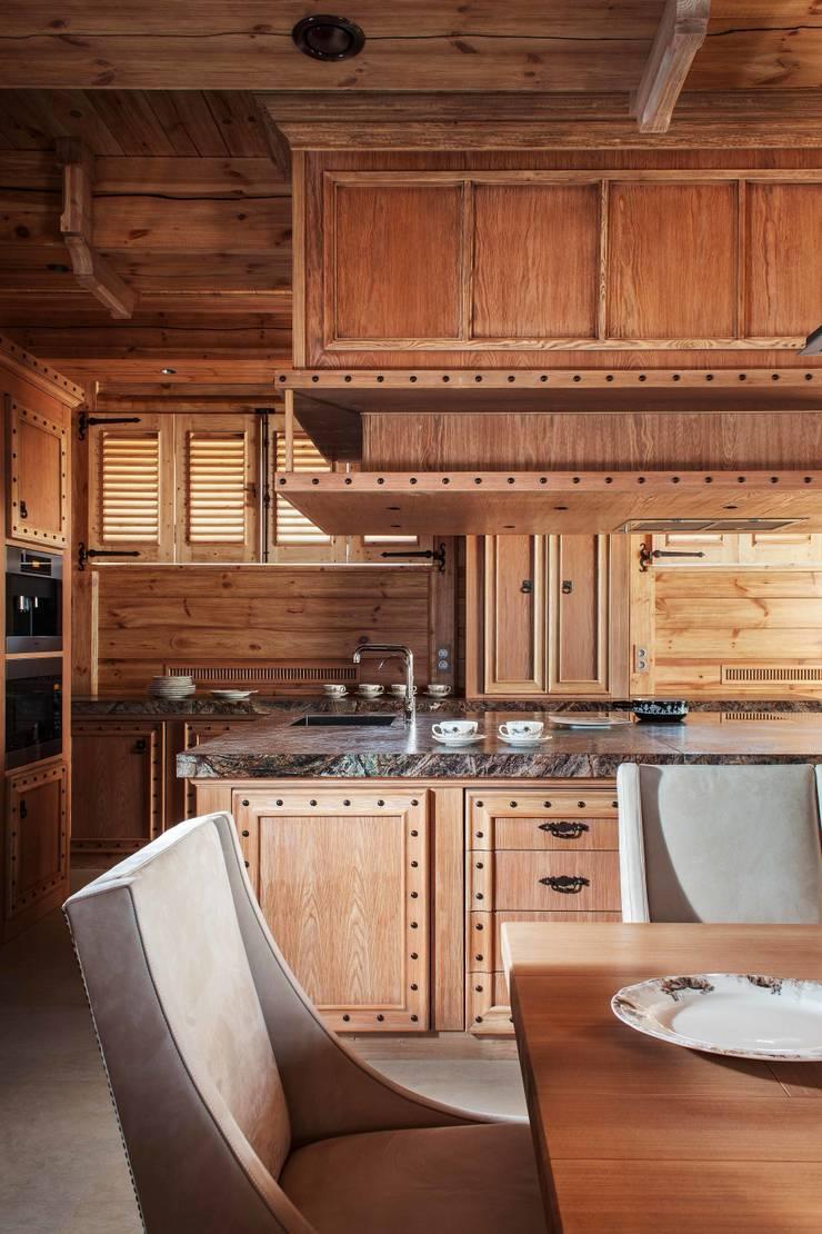 Шале: Кухни в . Автор – Архитектор Татьяна Стащук