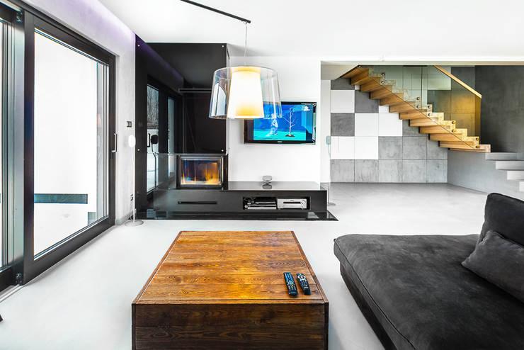 Living room by COCO Pracownia projektowania wnętrz, Minimalist